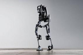 Ekso Bionics Sells its First Set of Robot Legs Allowing Paraplegics to Walk