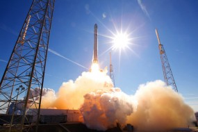 SpaceX to webcast static rocket firing today in preparation for Dragon spacecraft launch ; space