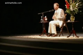 Eckhart Tolle - How to inhabit your body in a stressful environment; Presence