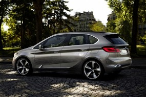 BMW Plug-In Hybrid Concept Goes Front-Wheel Drive