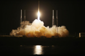 SpaceX Dragon capsule blasts off for space station