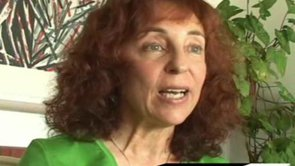 As a psychiatrist, Judith Orloff incorporates psychic intutition and energy medicine into her pratice. She began expriencing psychic premonitions, foreseeing illnesses, deaths and earthquakes at an early age.