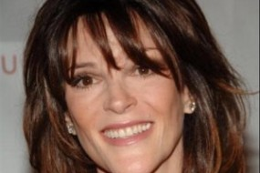Marianne Williamson God Lights the Way: A Course in Self-Awareness.