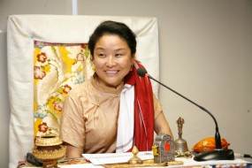 Khandro Thrinlay Chodon A lay Buddhist practitioner, Khandro-la brings her wisdom of her ancient lineage and tradition alive in a modern world through her global retreats and teachings.