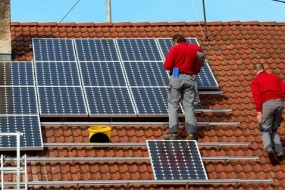 US Solar Jobs Up 13.2% In Past Year So far, duties – which could (finally) be finalized in the next week – have won out, but so too has job growth, despite the manufacturing sector's woes.
