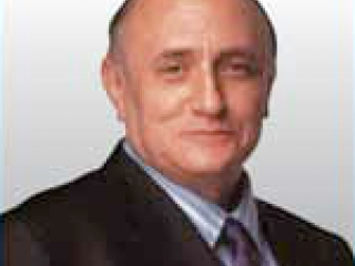Richard Bandler Author and self help trainer, Richard Bandler is best known as the co-inventor of Neuro-Linguistic Programming (NLP), a methodology intended to understand and change human behavior patterns.