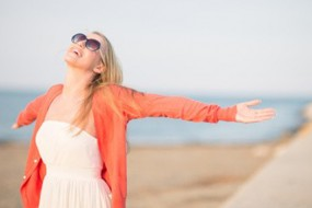KATHERINE WOODWARD THOMAS SHARES 4 STEPS TO MANIFEST LOVE awaken