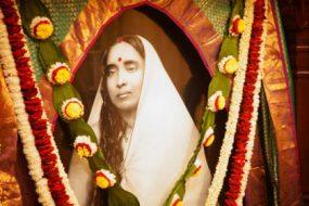 Sri-Sarada-Devi-awaken