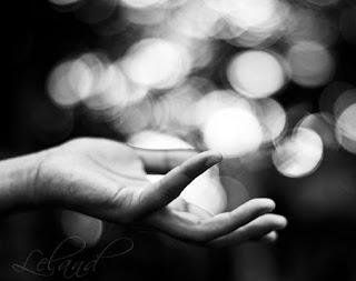 moves_the_hand-awaken