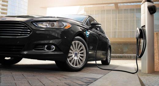 Ford-Eats-Away-At-Toyota-Prius-In-Plug-In-Hybrids-awaken