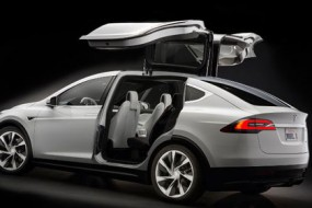 Tesla-Model-X-falcon-Awaken