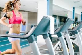 woman_on_treadmill-awaken
