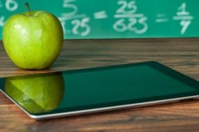 tablet_appeltje_schoolbord-awaken