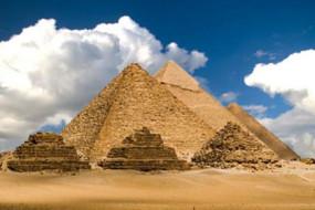 Egypt's-Great-Pyramids-Awaken