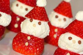 Strawberry-Santas-awaken