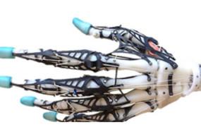 Remarkable-Robot-Hand-awaken