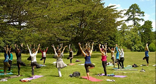 As A Follow Up To 5 Reasons Take Your Practice Outdoors Here Is List Of Open Air Yoga Classes Offered Across The Country From Beaches Rooftops
