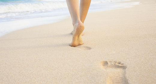 7-surprising-health-benefits-of-earthing-walking-barefoot-awaken