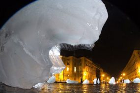 'Ice-Watch,'-Olafur-Eliasson-awaken