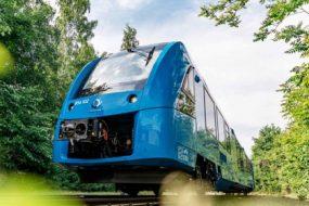 Hydrogen-powered-train-awaken