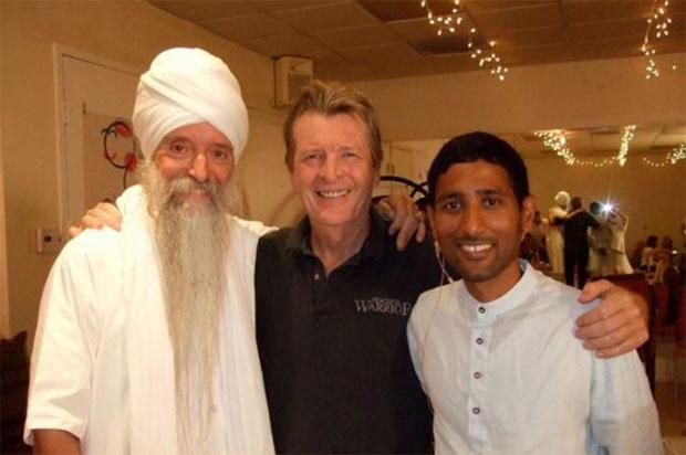 David,-Guru-Singh-and-Ananda-Giri-awaken