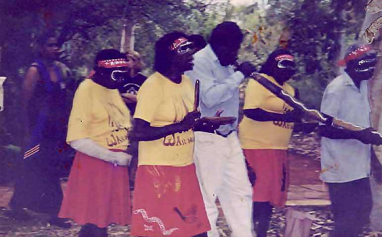 aboriginal dancers at warmun