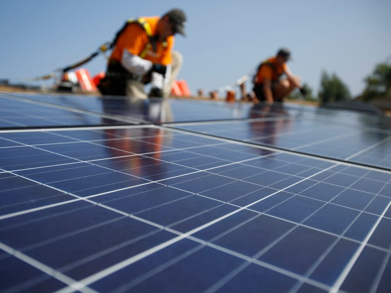 solar panel install workers