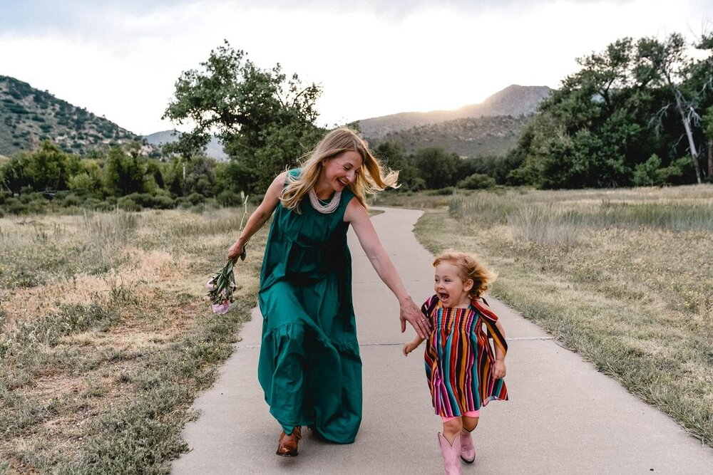 Jenny McGlincy and her daughter, Pippa. McGlincy wrote in her diary 30 years ago about her excitement that scientists had discovered the root cause of cystic fibrosis, and now hopes to finally get access to a new therapy. Image credit: Washington Post