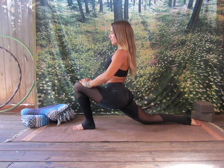 yogatutorial_splits_lowlunge