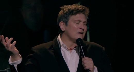 https://www.awaken.com/2020/04/kd-lang-sings-hallelujah-the-logies-may-2010