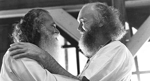 Sri-Swami-Satchidananda-and-Ram-Dass-awaken