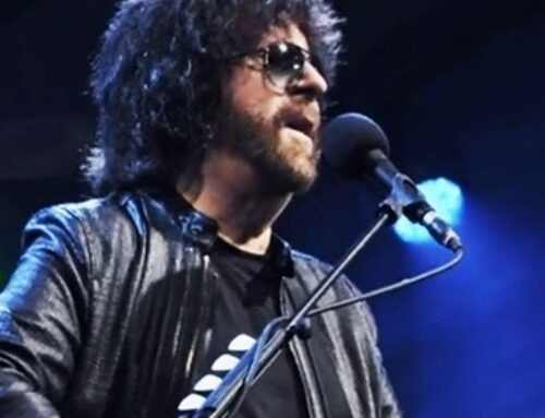 Jeff Lynne's ELO – Telephone Line (Live At Wembley Stadium)