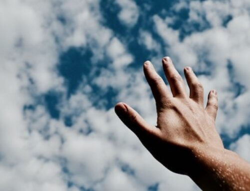 15+ Short Non-Religious Prayers For Thanks, Healing & Funerals