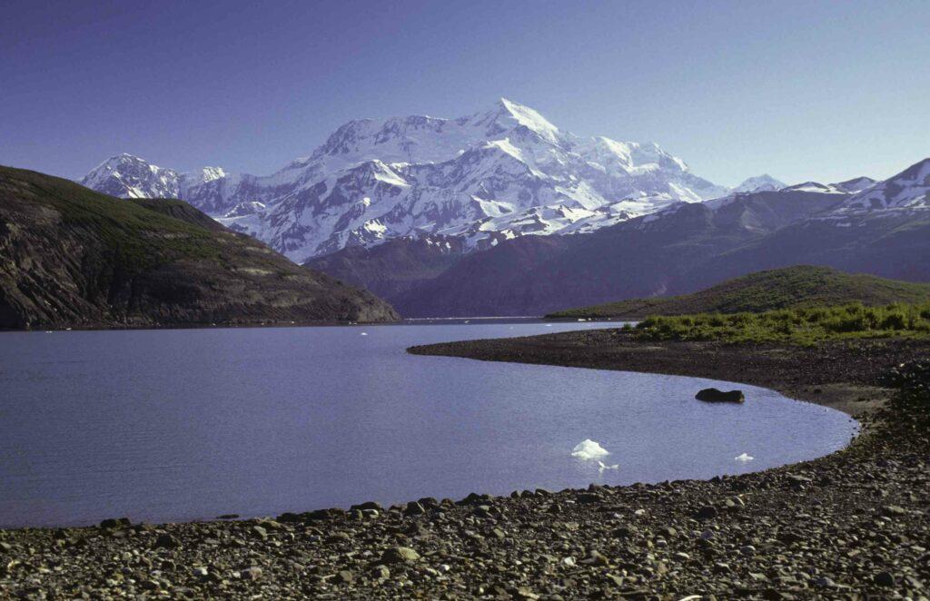 Mount Saint Elias (Alaska)-awaken