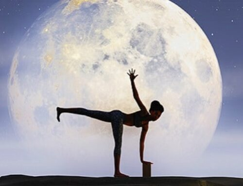 Learn All About the 4 Moon Phases, Plus a Yoga Practice For Each